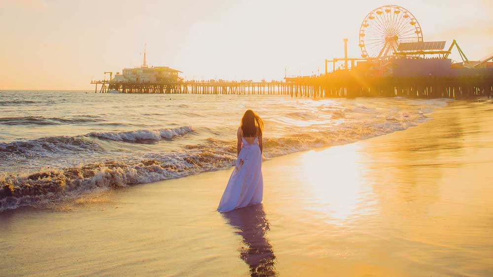 Trash the Dress at the Santa Monica Pier